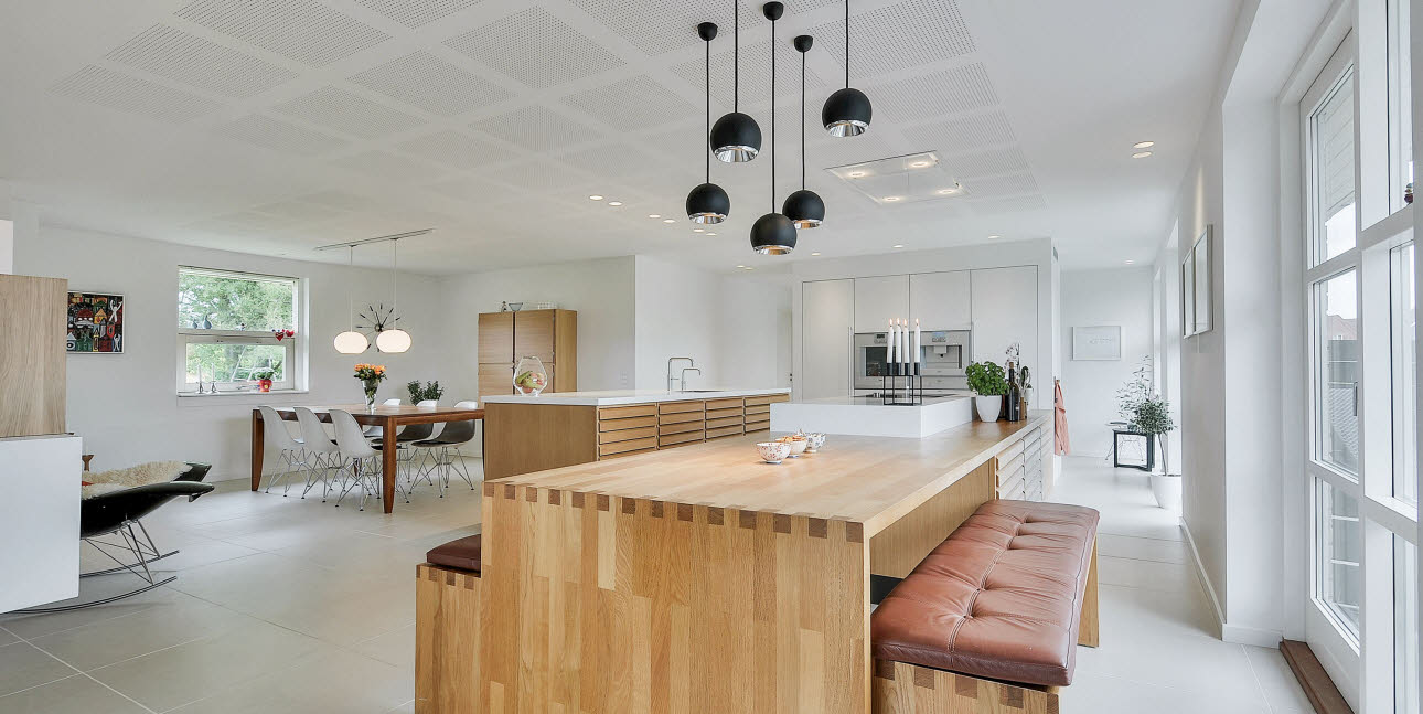 Grand kitchen in Oak from unoform